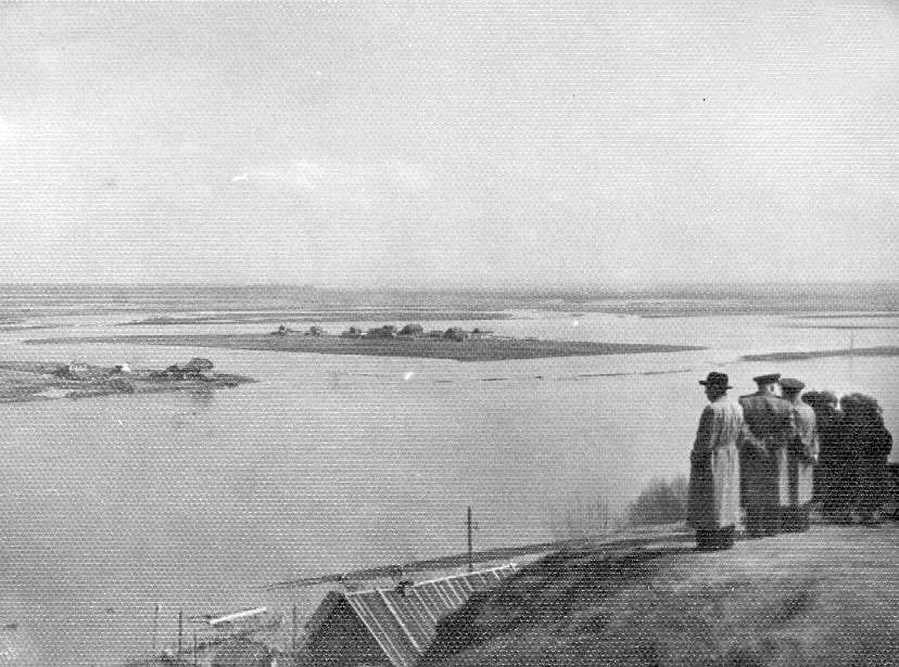 Alatyr. Coast of Sura River