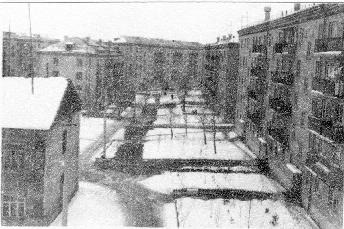 Aprelevka. Termozavodskaya Street (Parkovaya)