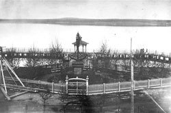 Votkinsk. Monument to 'Anchor'