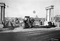 Petrozavodsk. Finnish tanks on the bridge over the river Lososinka, 1941