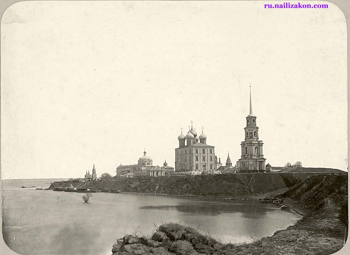 Ryazan. View of the temples of the Kremlin