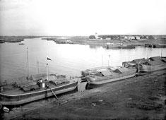 Rybinsk. The confluence Sheksna River in Volga River