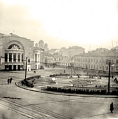 Yaroslavl. The Square in front of the theater