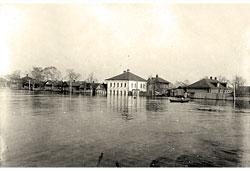 Yaroslavl. Flood the Volga river