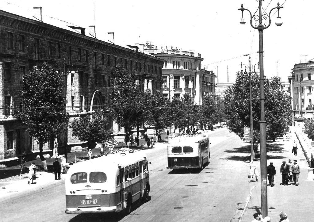 Alchevsk. Kirov Street, 50s