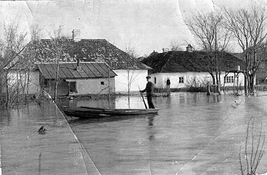 Yampil. Flooding in the Mylobendzki Manor, 1911