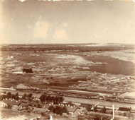 Уфа. Панорама железной дороги и лесного склада на берегу реки Белой, 1910