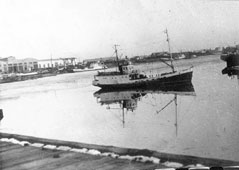 Aralsk. Port, receiving-transport vessel 'Leo Berg', circa 1960